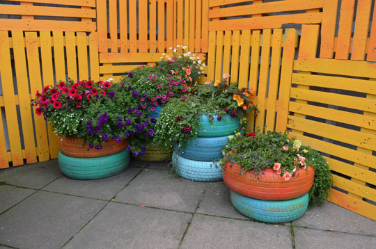 Giz images tires post 3 for How to use old tires in a garden