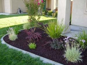 rubber-mulch-landscaping